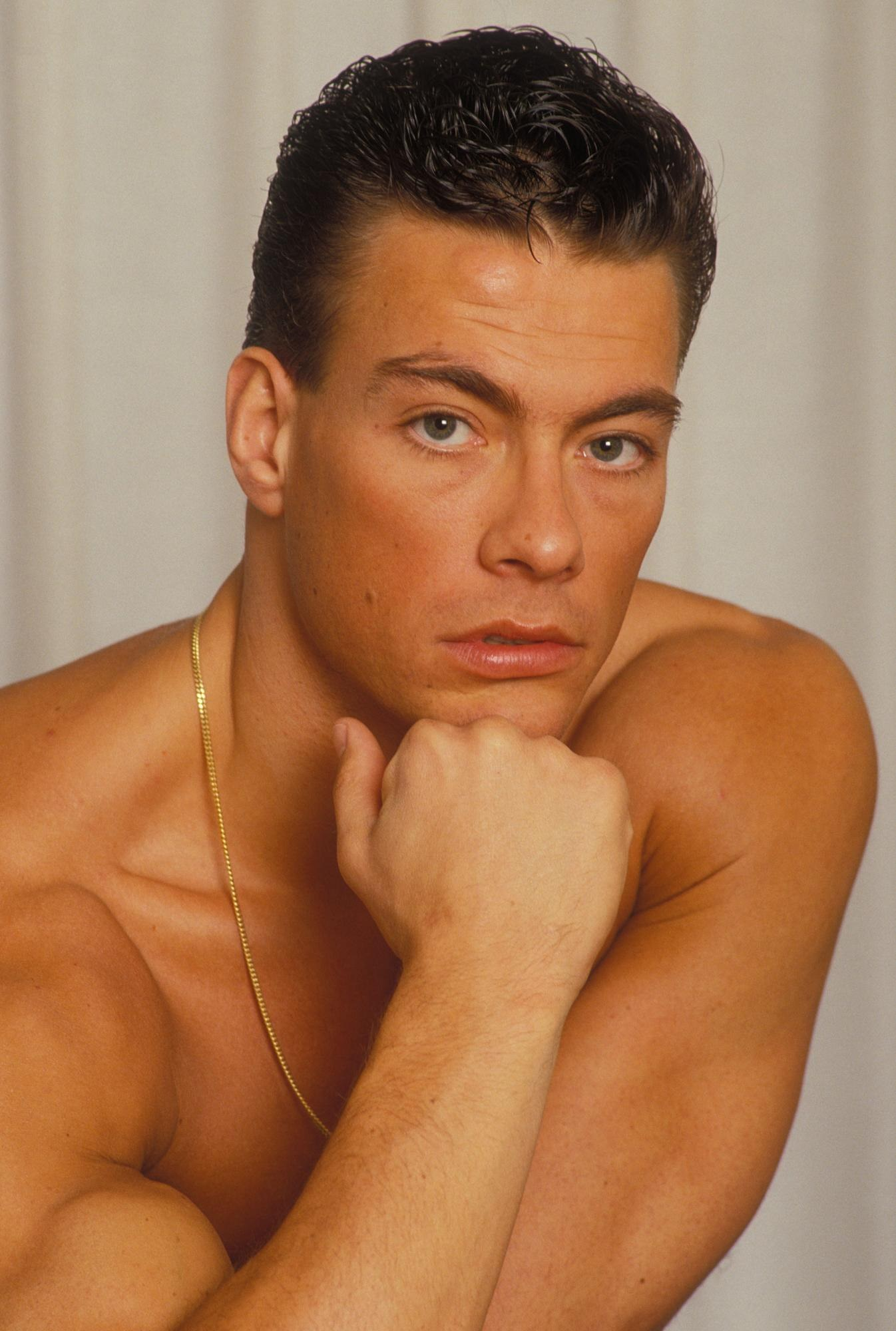 http://zinemaniacos.files.wordpress.com/2013/04/jean-claude-van-damme-9.jpg