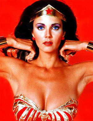 Lynda-Carter-wonder-woman-3310476-300-392